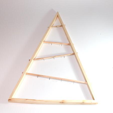 Billede af 2. sortering - Juletræ trekantet træramme - 95 cm høj